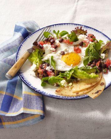 54e9913d1a1df_-_get-crackin-huevos-rancheros-salad-0214-s2