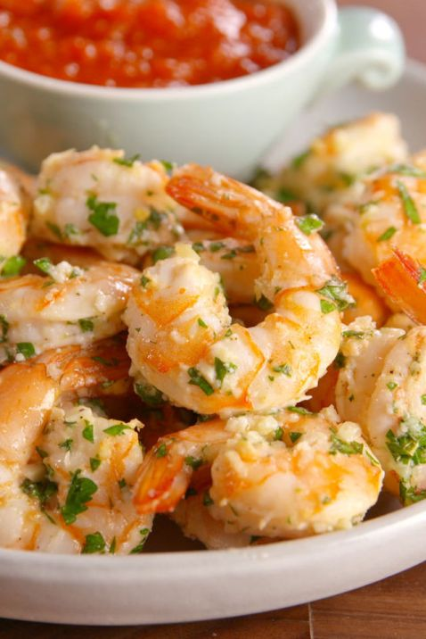 gallery-1481069346-garlic-shrimp-cocktail-pin4.jpg