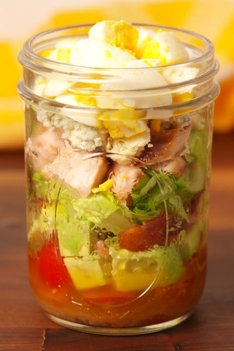 gallery-1482443650-delish-cobb-salad-in-a-jar-pin-04